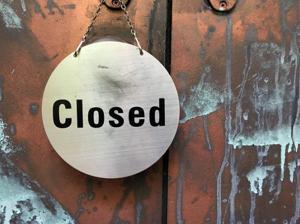 closed door sign screenshot